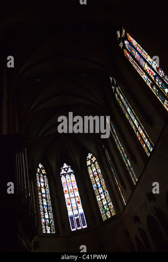 Glasfenster in der Kirche Saint-Martin, Colmar, Frankreich Stockbild