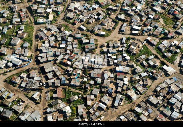 Luftaufnahme des KTC Township in der Nähe von internationalen Flughafen von Kapstadt in Südafrika. Stockbild