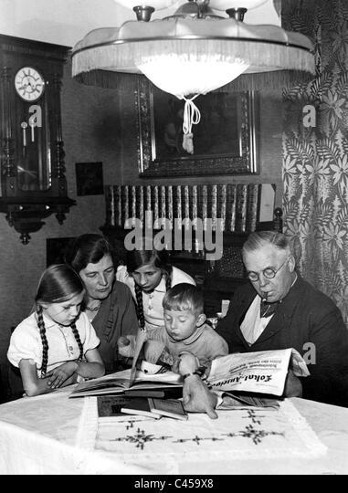 Berlin kleinbürgerlichen Familie in den 30er Jahren Stockbild