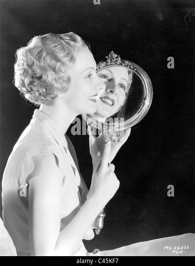 Frisuren aus dem Jahr 1932 Stockbild