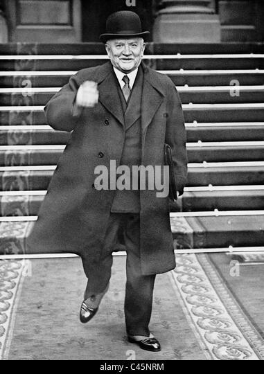 Gaston Doumergue nach seinem Rücktritt, 1934 Stockbild