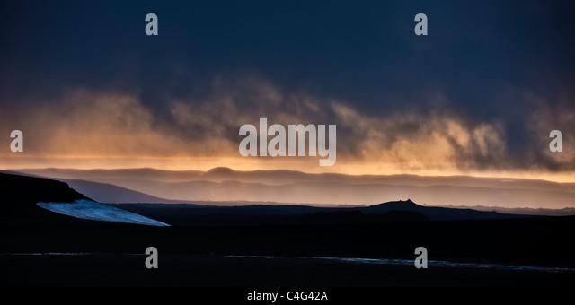 Sonnenuntergang über Asche gefüllt Landschaften, Mt Thoristindur, Vulkanausbruch Grimsvötn, Island Stockbild