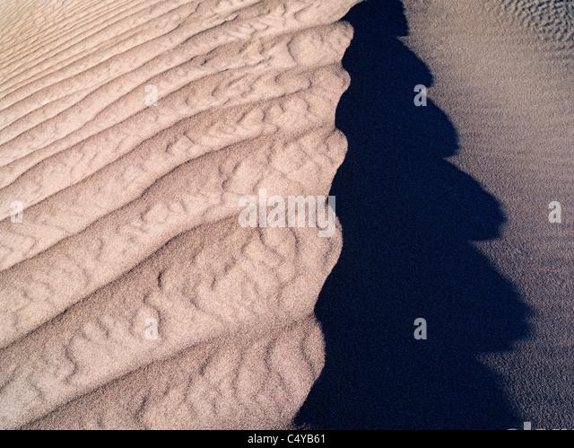 Muster im Sand nach intensiven Sturm. Death Valley Nationalpark, Kalifornien Stockbild