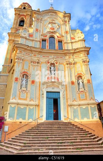 die barocke Kirche von Cervo in Ligurien Stockbild