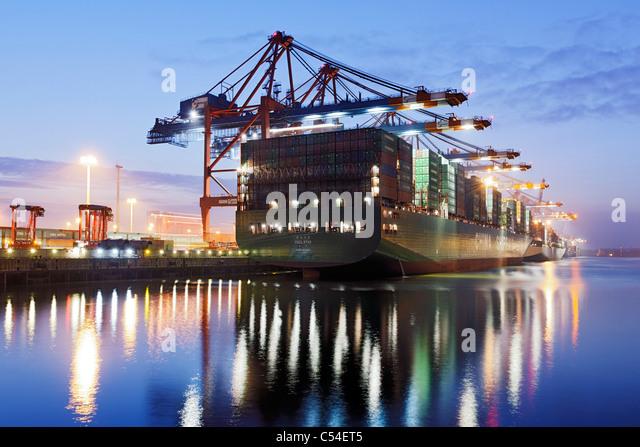 Containerschiff CSCL STAR Hongkong, eines der größten Containerschiffe der Welt, Eurokai Container Terminal Stockbild