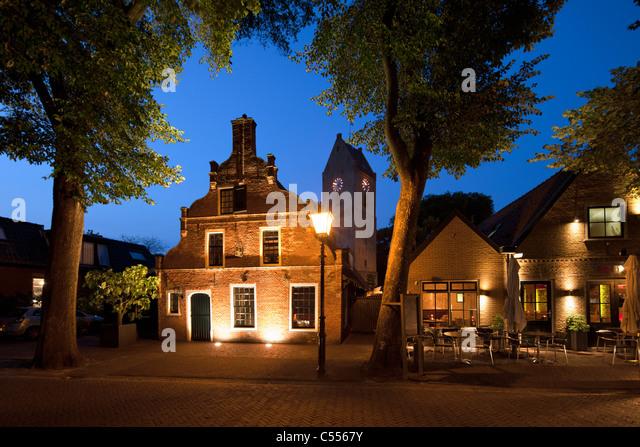 Die Niederlande, Buren, Ameland Insel, gehört zum Wadden Sea Islands. Haus des ehemaligen Kapitäns in Stockbild