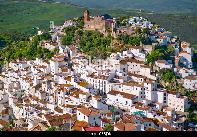 Spanien, Andalusien, Malaga, Blick über Casares Stockbild