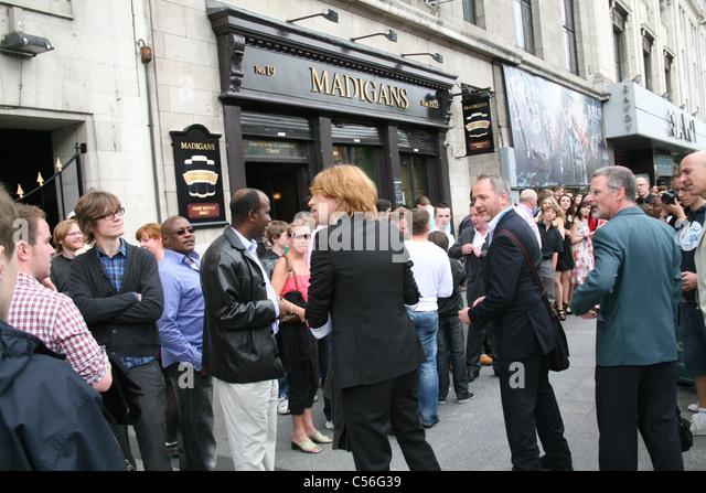 Domhnall Gleeson kommt bei der Dublin Premiere von Harry Potter und die Heiligtümer des Todes: Teil2 im Savoy Stockbild
