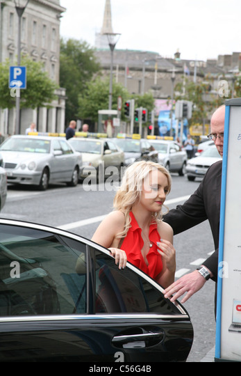Evanna Lynch kommt auf die Dublin Premiere von Harry Potter und die Heiligtümer des Todes: Teil2 im the Savoy Stockbild
