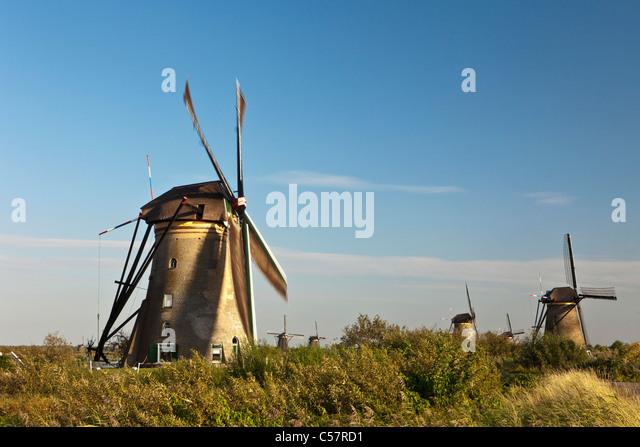 Die Niederlande, Kinderdijk, Windmühlen, UNESCO-Weltkulturerbe. Stockbild