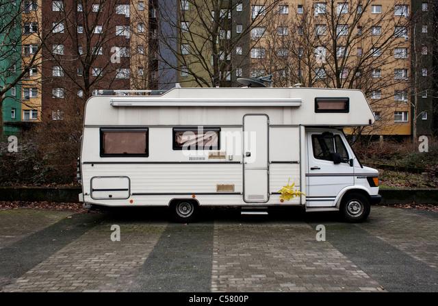 caravan winter caravan stockfotos caravan winter caravan bilder alamy. Black Bedroom Furniture Sets. Home Design Ideas