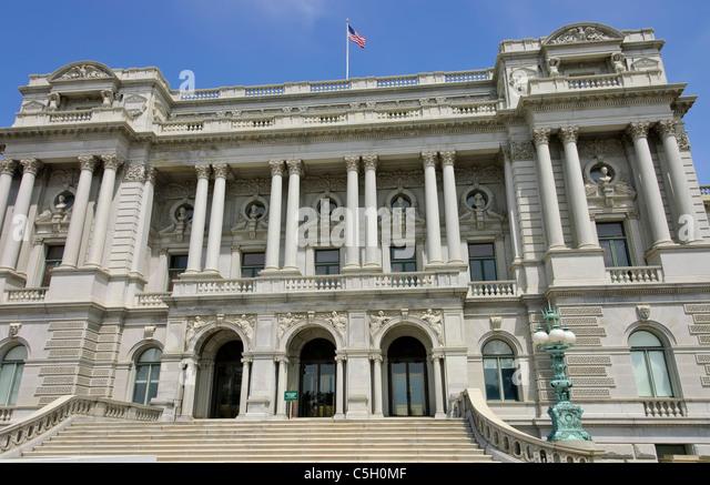 Vorder- und perspektivischen Blick auf den historischen Thomas Jefferson Building oder US Library of Congress in Stockbild