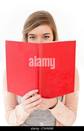 Teenager-Mädchen lesen Stockbild