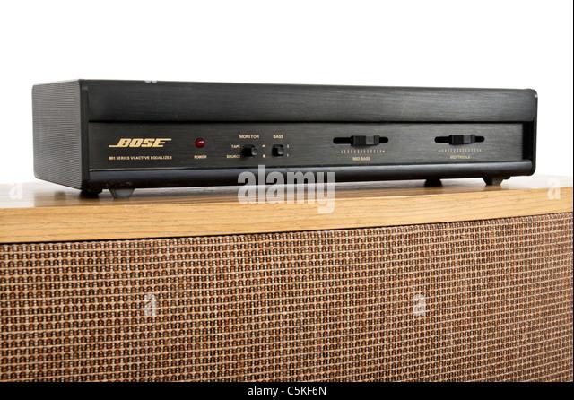 Bose 901 Serie VI direkt / reflektierenden Lautsprecher von 1987 mit passenden Active Equalizer an der Spitze Stockbild