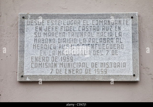 Kuba, Cienfuegos. Gedenktafel für Fidel Castros Siegeszug nach Havanna, Cienfuegos verlassen 7. Januar 1959. Stockbild