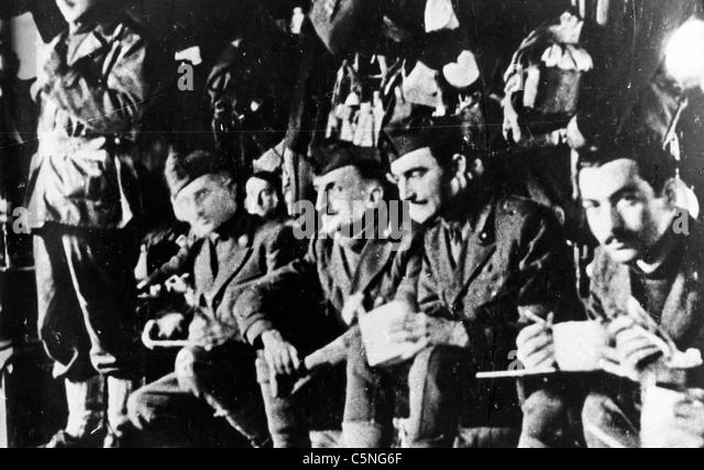 Italienische Soldaten in einem deutschen Konzentrationslager nach der 11. September 1943 Stockbild