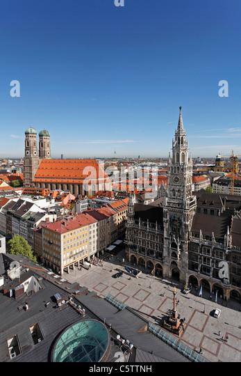 Deutschland, Bayern, München, Marienplatz, Kathedrale, Rathaus, Blick vom Kirchturm von St. Peter Stockbild