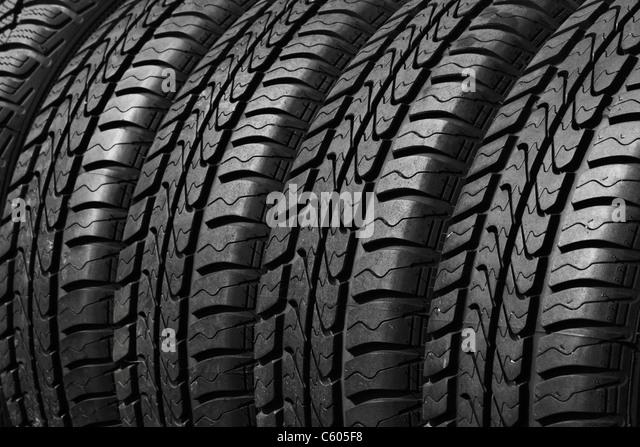 Schließen Sie die Ansicht von Pkw-Reifen Stockbild