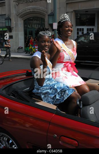 Die Königin der Carifest 2011 Parade und Freund. Stockbild