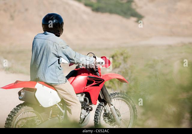 Mann Reiten Dirtbike Stockbild