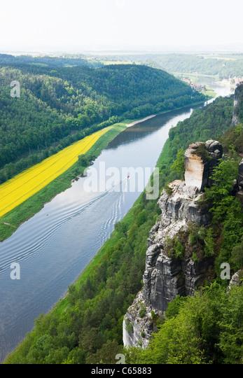 Fluss Elbe von Bastei Felsen, Sächsische Schweiz, Dresden, Deutschland Stockbild