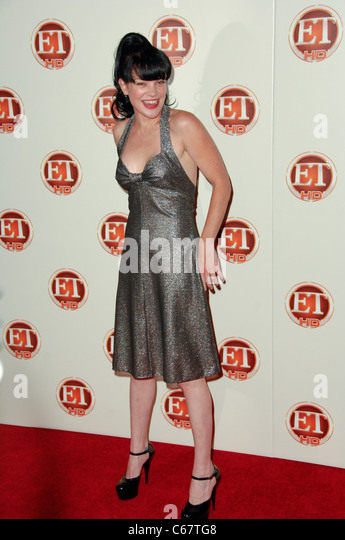 Pauley Perrette im Ankunftsbereich für Entertainment Tonight Emmy Party, Vibiana, Los Angeles, CA 29. August Stockbild