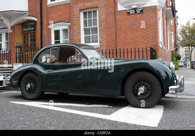 JAGUAR XK 140, Seite Aspekt dieses schöne Beispiel der britischen Automobilclubs Erbe, gesehen hier in Chelsea, Stockbild