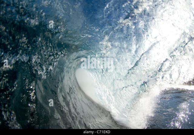 Ein Schlauch winken Backdoor Pipeline auf der Nordküste von Oahu. Stockbild
