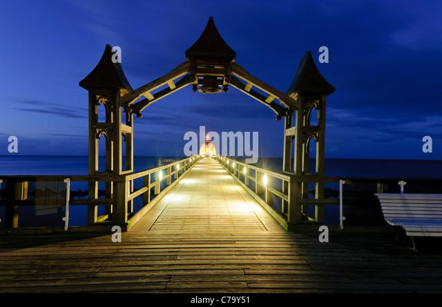 Historische Seebrücke mit Restaurant, Ostsee resort Sellin, Ostsee, Rügen Insel Mecklenburg-Western Pomerania, Stockbild