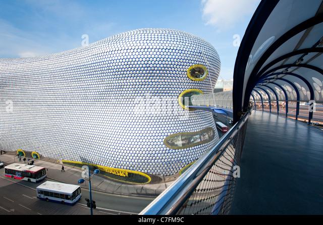 Brücke zum Selfridges in der Stierkampfarena Shopping centre, Birmingham, UK Stockbild