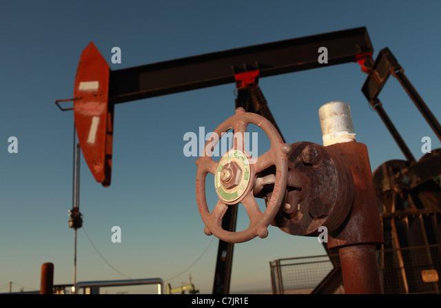 Nahaufnahme des Rades an Ölpumpe Stockbild