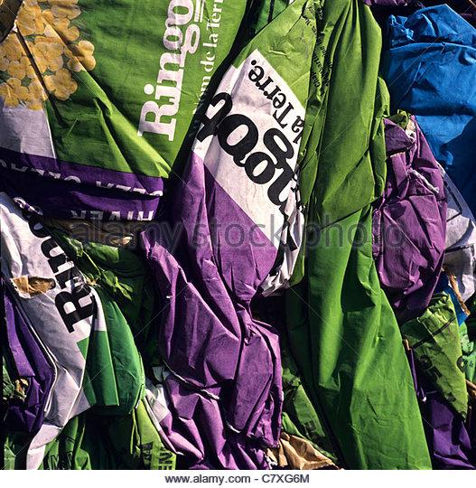 Komprimierte Stapel von Papier-Produkte, recycling Stockbild