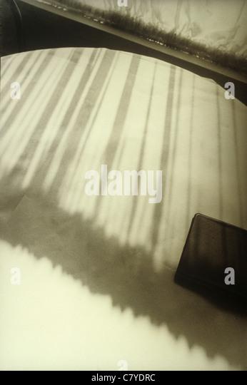 Tischplatte mit Schatten Stockbild