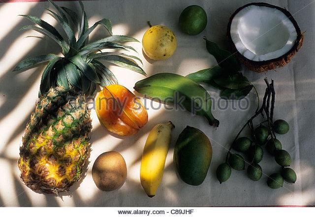 Verschiedene exotische Früchte Stockbild