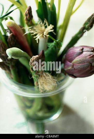 Reihe von Frühlingsgemüse Stockbild