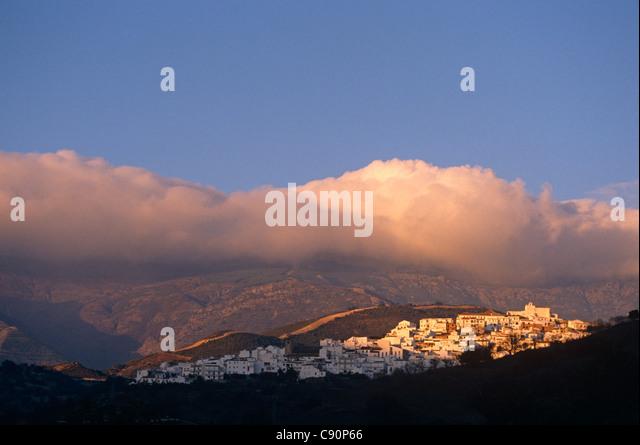 Canillas de Albeida ist in den Bergen des Bereichs Atalaya und Verde und auf die landschaftlich schöne Strecke Stockbild