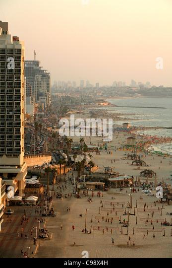 Blick über die Skyline und die Strände von Tel Aviv, Israel. Stockbild