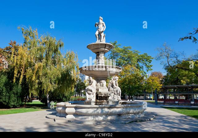 Budapest, Erzsebet (Elizabeth) Platz. Stockbild
