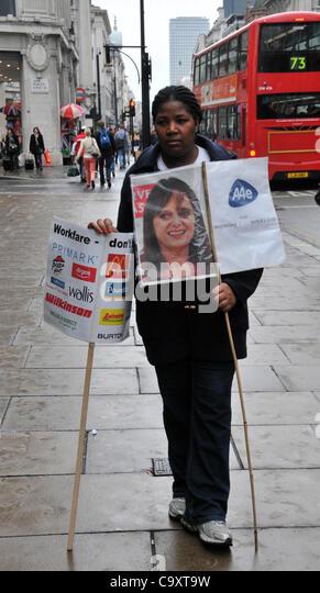London, UK 3. März 2012. Anti-Workfare-Demonstranten auf der Oxford Street im Zentrum von London gegen Workfare Stockbild