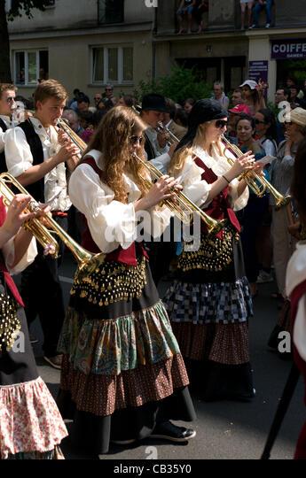 """BERLIN - 27 Mai: Die traditionelle und die jährliche """"Karneval der Kulturen"""", 27. Mai 2012 in Berlin, Stockbild"""
