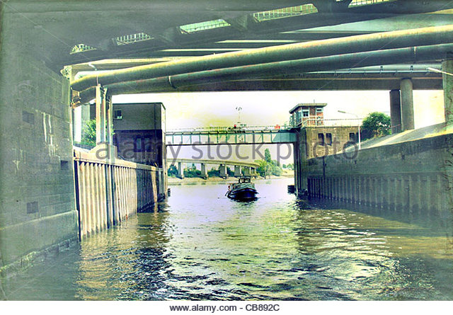Tunnel-Water Boat-Kanal Stockbild