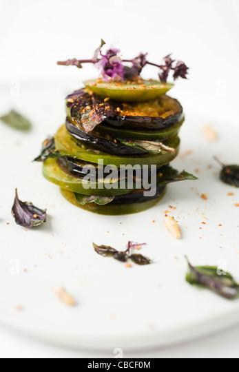 Tomaten und Auberginen-Mille-feuille Stockbild