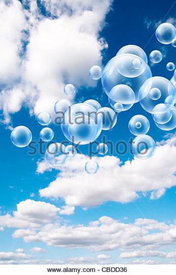 Luftblasen im Himmel Stockbild