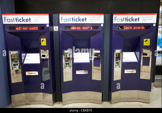 automatic ticket machine stockfotos automatic ticket. Black Bedroom Furniture Sets. Home Design Ideas
