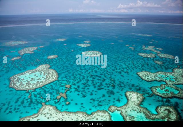 Luftaufnahmen der spektakuläre Great Barrier Reef in der Nähe der Whitsunday Islands in Queensland, Australien. Stockbild