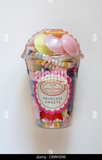 Wanne mit Hoffnung und Greenwood Prinzessin Süßigkeiten isoliert auf weißem Hintergrund Stockbild