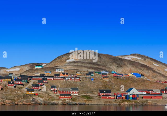 Dorf von Ittoqqortoormiit, Scoresbysund, Ostküste Grönlands Stockbild