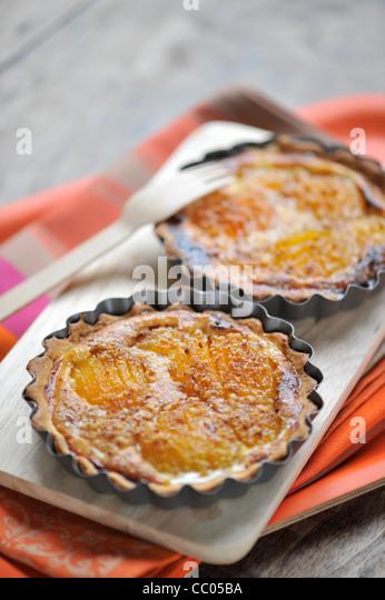 Aprikosen und Haselnüssen Törtchen Stockbild