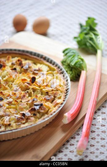 Rhabarber und Mandeln Kuchen Stockbild