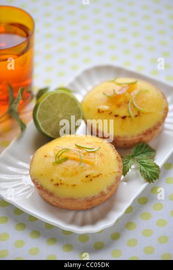 Zitrone und Limette Kuchen Stockbild